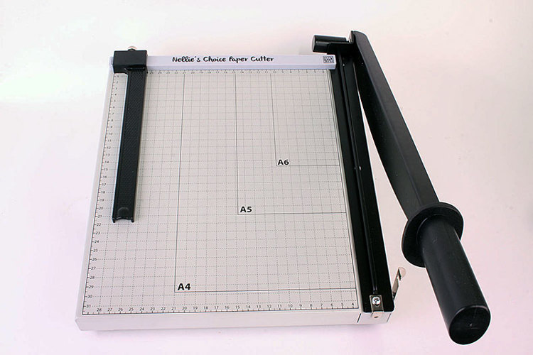 PAT001 Nellie's Choice XL metal Papercutter with slider (metric-scale)